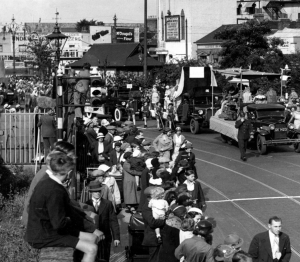 Crowds at Mitcham Fair - Vintage photo links to discovery day events list.